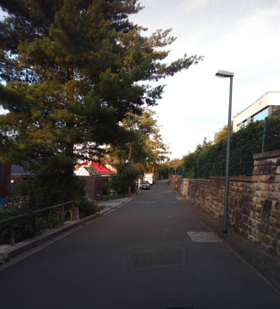 Straße zum Haus
